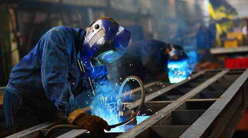 strong-manufacturing-boosts-the-economy - insightssuccess