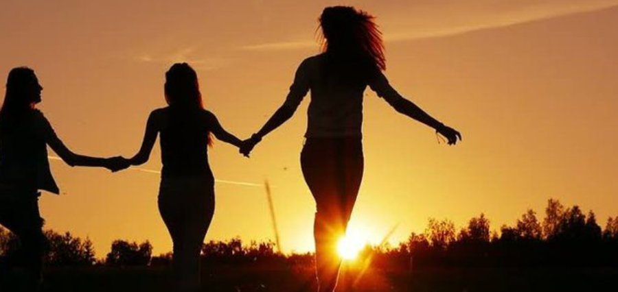 4 Perks of Having an Indian Friend | Benefits Of Having An Indian Best Friend [ Business Magazine ]