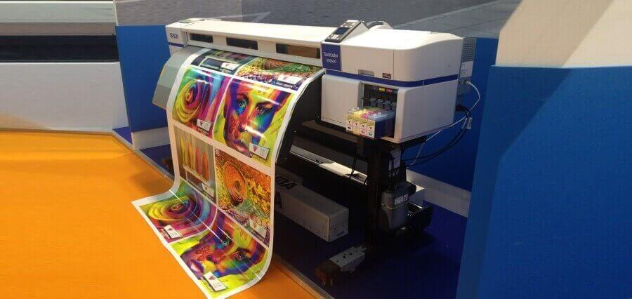 advertise through Vinyl Printing.