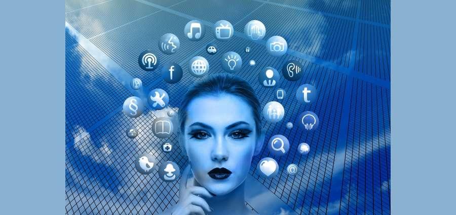 Use social media To Make Sales